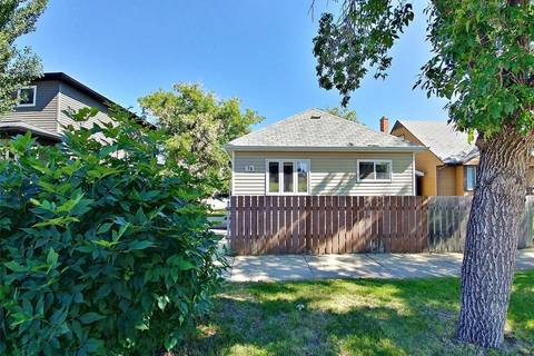 House for sale at 74 Iroquois St E Moose Jaw Saskatchewan - MLS: SK800922