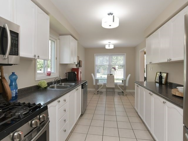 For Sale: 74 Julia Drive, New Tecumseth, ON | 3 Bed, 2 Bath House for $599,900. See 20 photos!