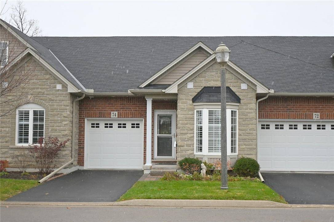 Townhouse for sale at 74 Oakhampton Tr Glanbrook Ontario - MLS: H4067586