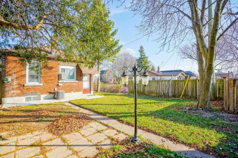 House for sale at 74 Patterson Ave Toronto Ontario - MLS: E4996403