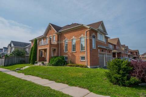 Townhouse for sale at 74 Rich Cres Whitby Ontario - MLS: E4927771