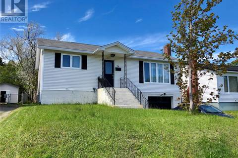 House for sale at 74 Smallwood Dr Mount Pearl Newfoundland - MLS: 1198080