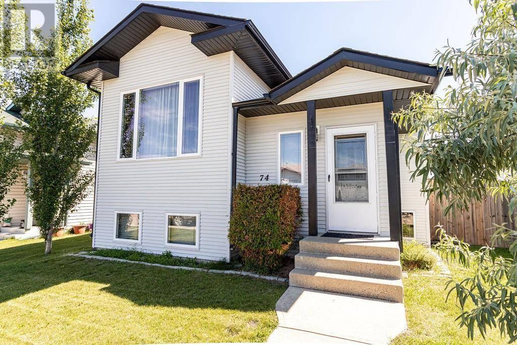 House for sale at 74 Whiterock Cs Blackfalds Alberta - MLS: ca0174514