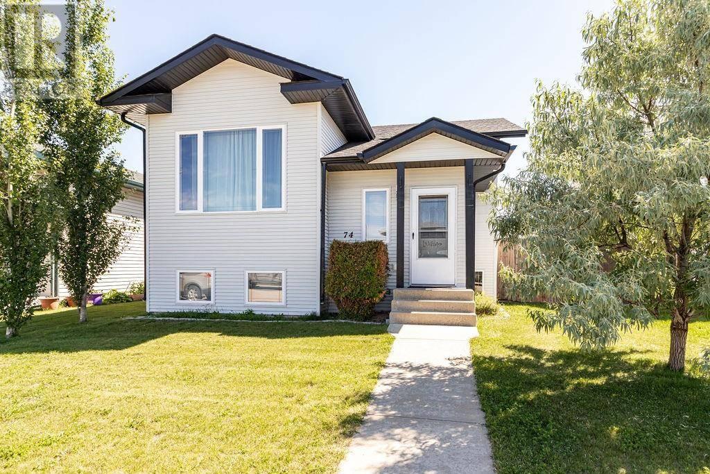 House for sale at 74 Whiterock Cs Blackfalds Alberta - MLS: ca0188474
