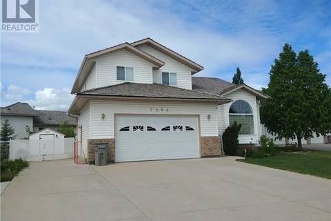 House for sale at 7406 102 St Grande Prairie Alberta - MLS: GP205319