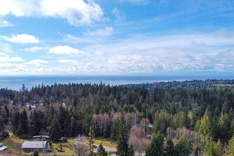 House for sale at 7412 Tapp Rd Halfmoon Bay British Columbia - MLS: R2448839