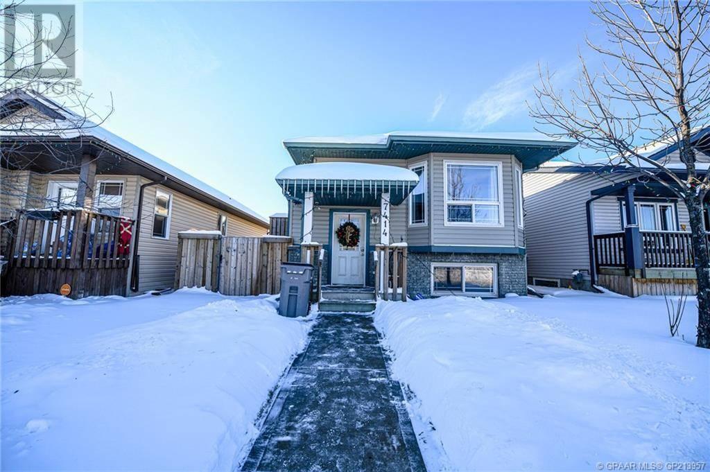 House for sale at 7414 Westpointe Dr Grande Prairie Alberta - MLS: GP213957