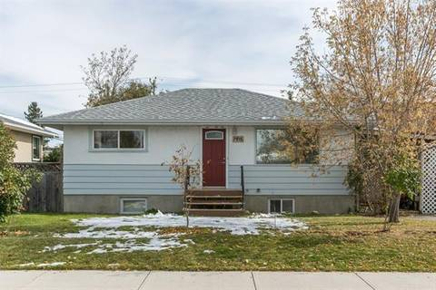 House for sale at 7416 23 St Southeast Calgary Alberta - MLS: C4270963
