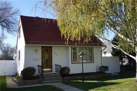 House for sale at 742 15 St N Lethbridge Alberta - MLS: LD0181036