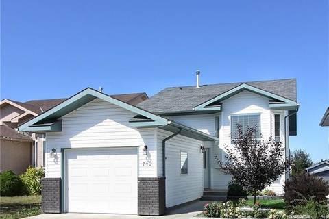House for sale at 742 Blackfoot Te W Lethbridge Alberta - MLS: LD0178005