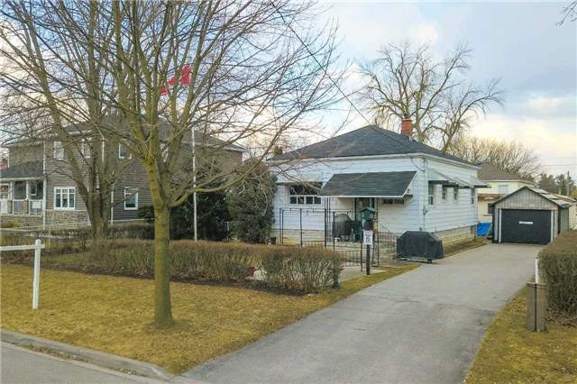 For Sale: 742 Lowell Avenue, Newmarket, ON | 2 Bed, 2 Bath House for $609,000. See 11 photos!