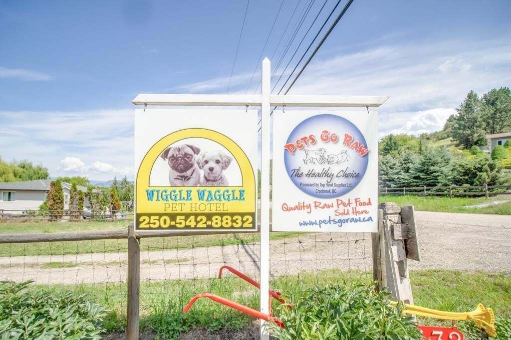 Commercial property for sale at 7432 Pleasant Valley Rd Vernon British Columbia - MLS: 10208205