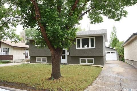 House for sale at 744 Bard Cres N Regina Saskatchewan - MLS: SK799582