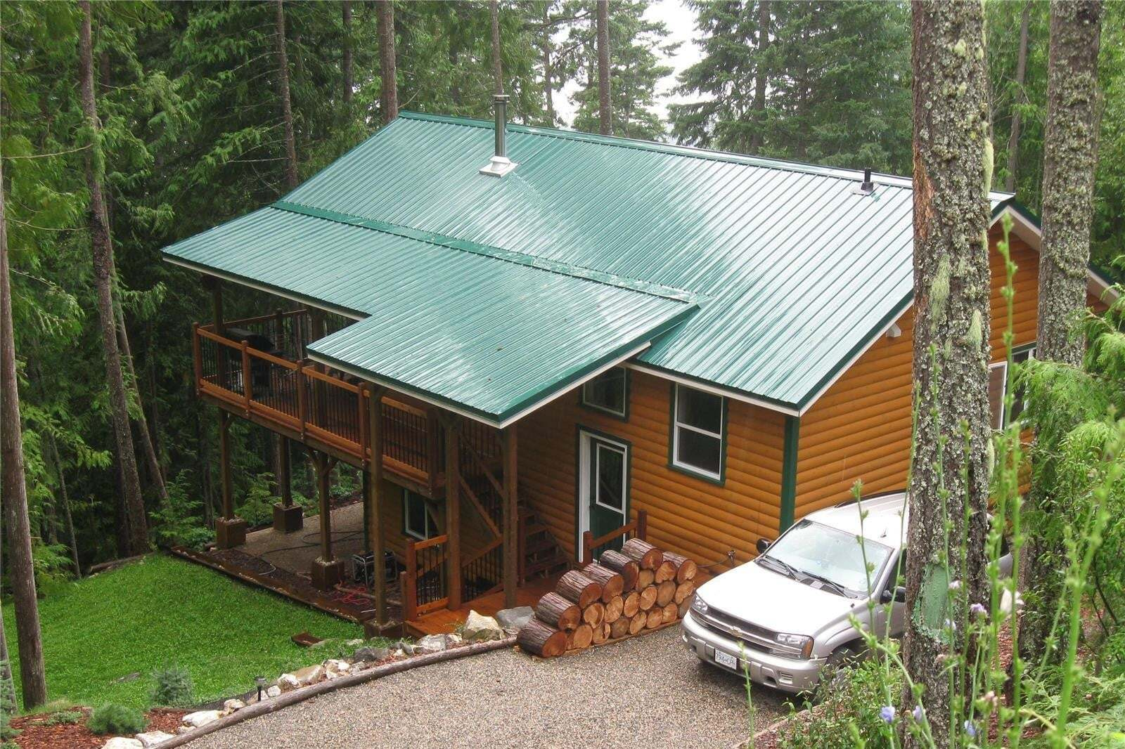 House for sale at 7442 Castle Ht Anglemont British Columbia - MLS: 10213031