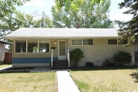 House for sale at 745 Williams St Regina Saskatchewan - MLS: SK772431
