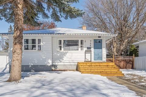 House for sale at 746 Grandview St W Moose Jaw Saskatchewan - MLS: SK803213
