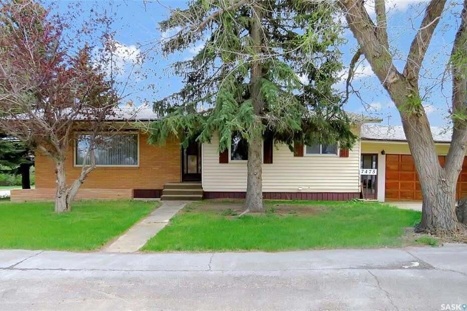 House for sale at 7475 Lake Ave Gull Lake Saskatchewan - MLS: SK817117