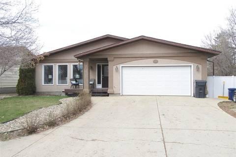 House for sale at 748 Brimacombe Dr Weyburn Saskatchewan - MLS: SK806047