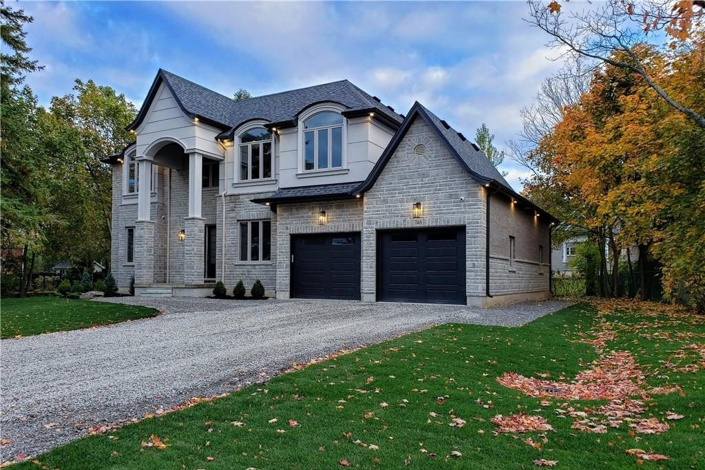 748 Montgomery Drive, Ancaster   Image 2