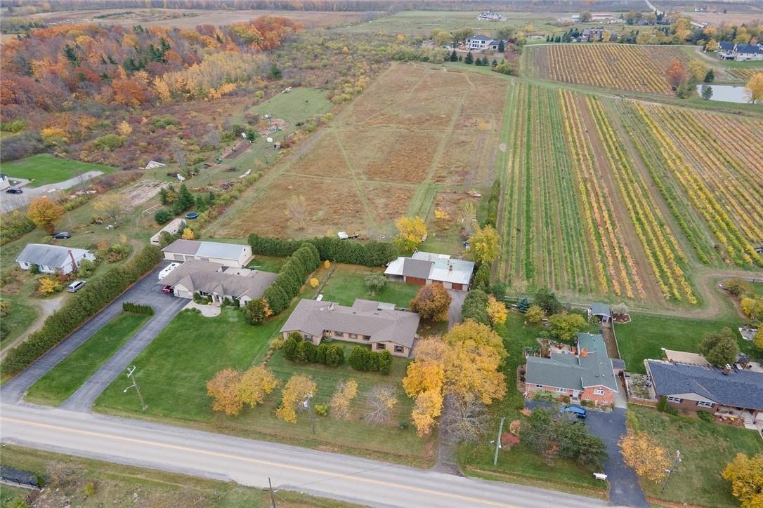 House for sale at 748 Ridge Rd Stoney Creek Ontario - MLS: H4091845