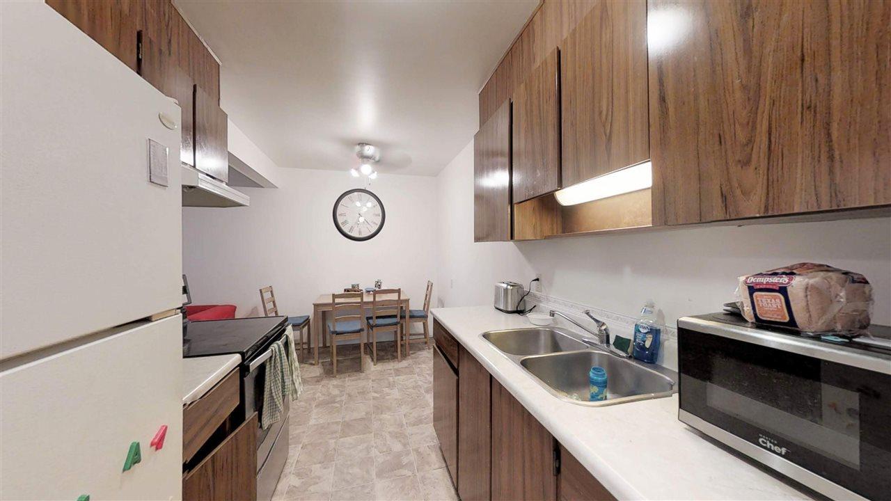 Buliding: 11255 31 Avenue, Edmonton, AB