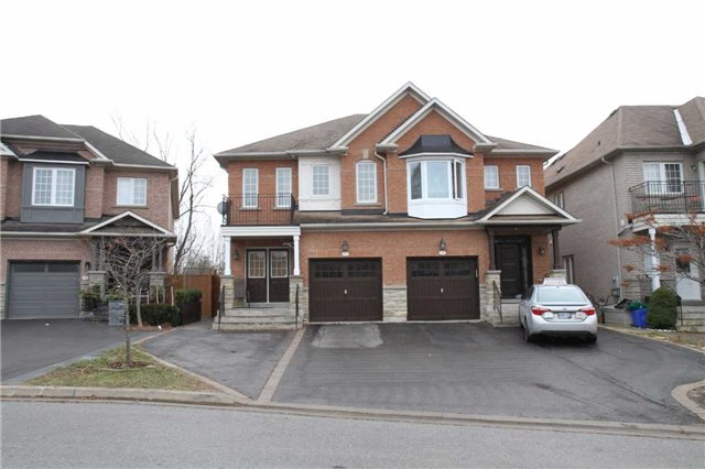 Removed: 75 Gamble Glen Crescent, Richmond Hill, ON - Removed on 2018-01-04 04:51:26