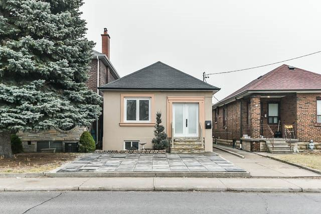For Sale: 75 Henrietta Street, Toronto, ON | 3 Bed, 2 Bath House for $799,000. See 20 photos!