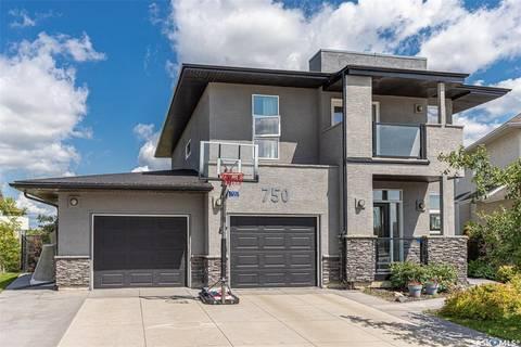 House for sale at 750 Greaves Cres Saskatoon Saskatchewan - MLS: SK797425