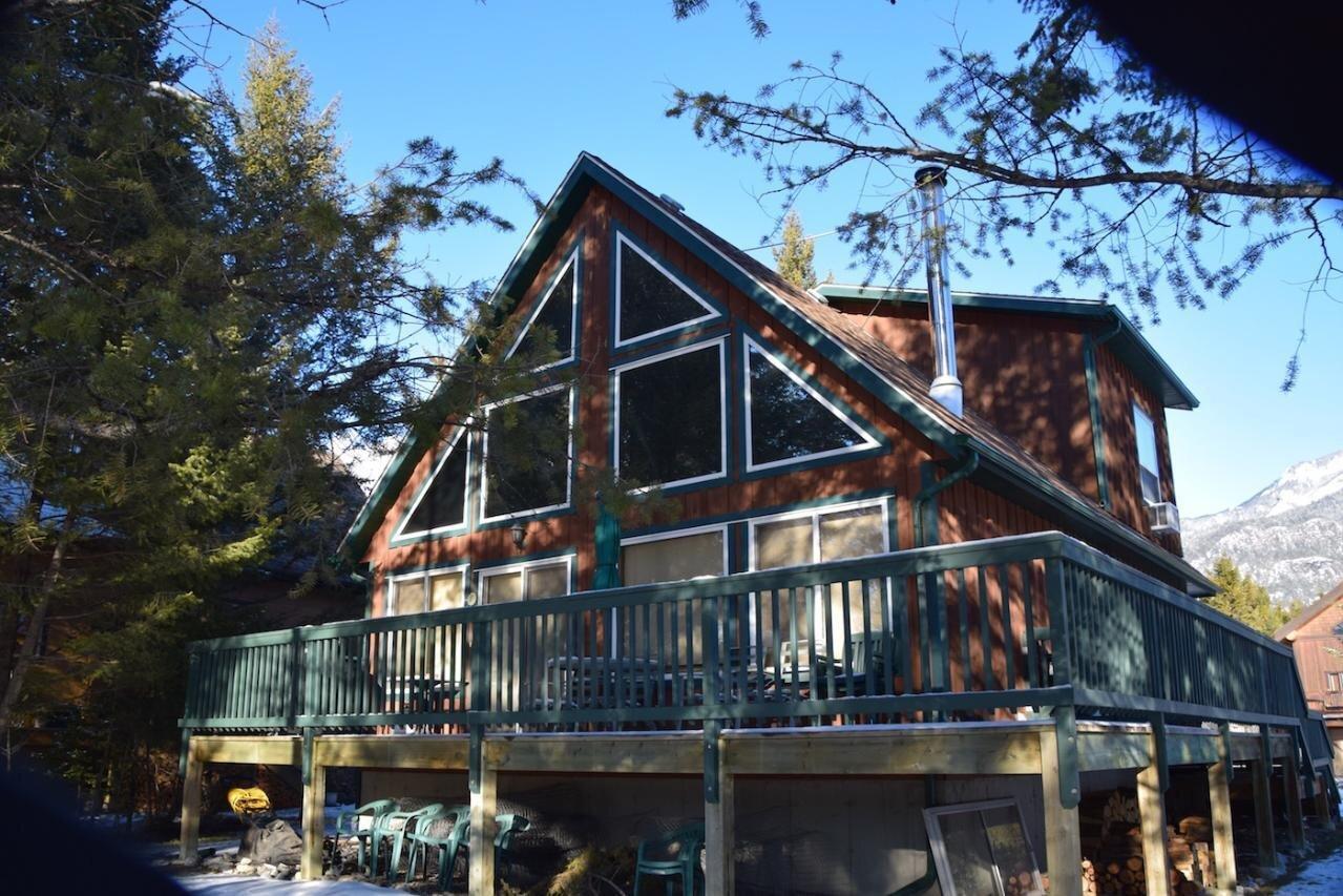 House for sale at 7501 Pine Cone Lane  Radium Hot Springs British Columbia - MLS: 2450834