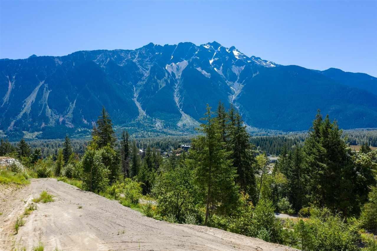 Residential property for sale at 7508 Pebble Creek Dr Pemberton British Columbia - MLS: R2484026