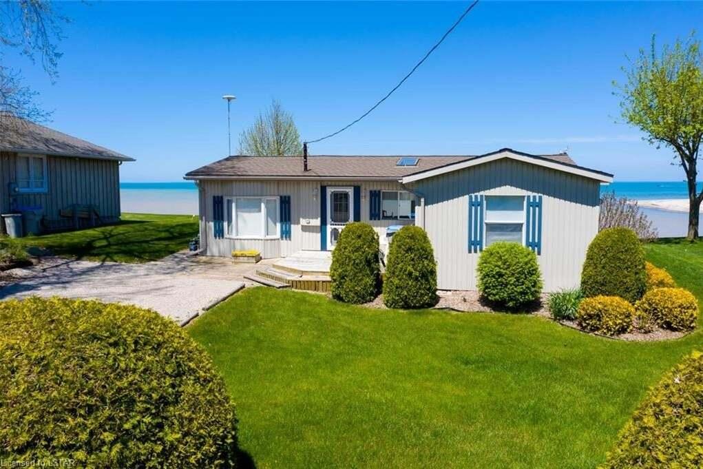 House for sale at 7510 Dune Dr Lambton Shores (munic) Ontario - MLS: 252335