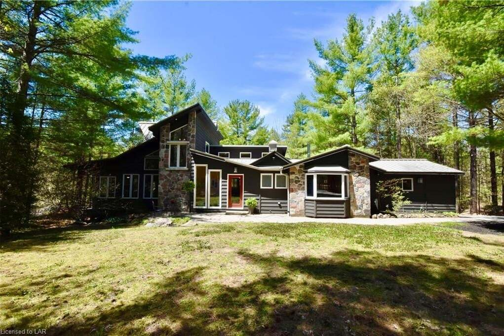 House for sale at 7514 East River Rd Washago Ontario - MLS: 261546