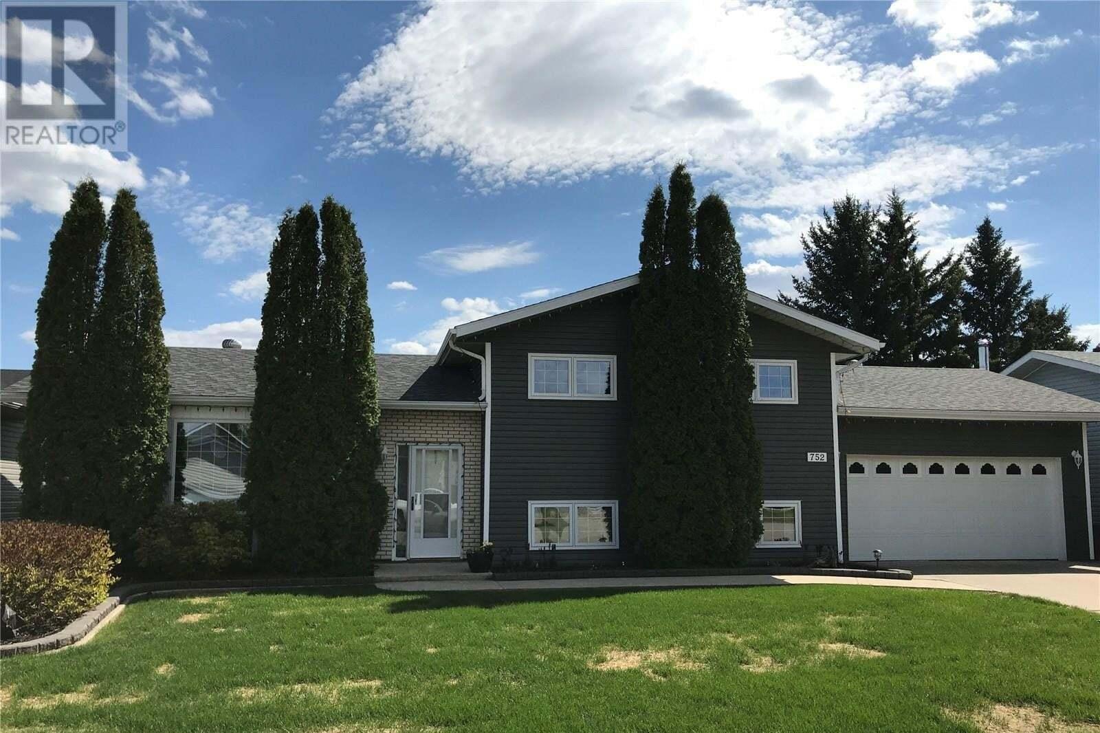 House for sale at 752 Golburn Cres Tisdale Saskatchewan - MLS: SK810306