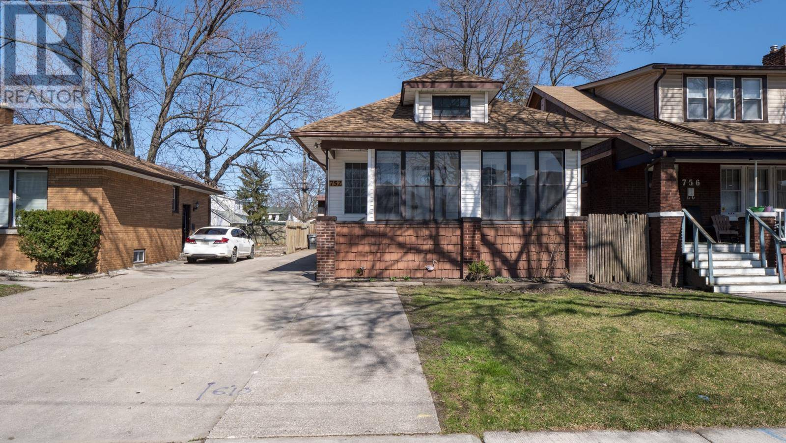 House for sale at 752 Partington  Windsor Ontario - MLS: 20003971