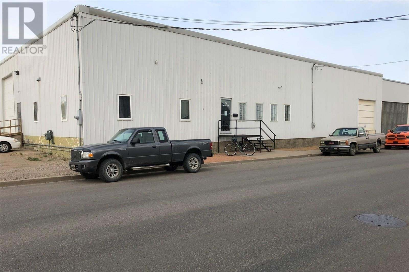Commercial property for sale at 754 Fairford St W Moose Jaw Saskatchewan - MLS: SK827824