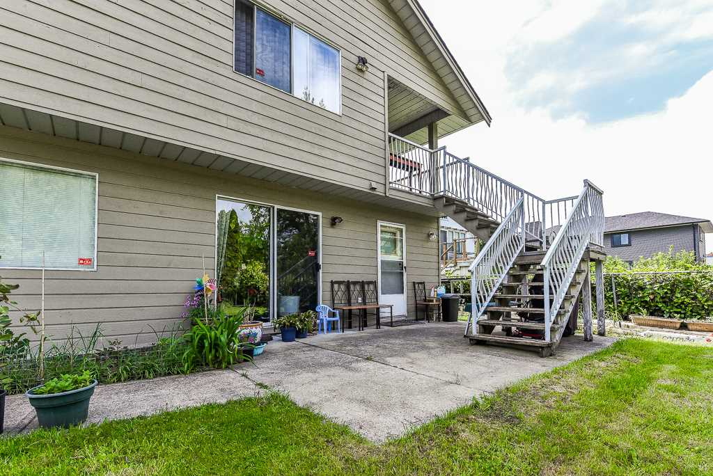 For Sale: 7549 10th Avenue, Burnaby, BC   5 Bed, 3 Bath House for $1,198,888. See 20 photos!