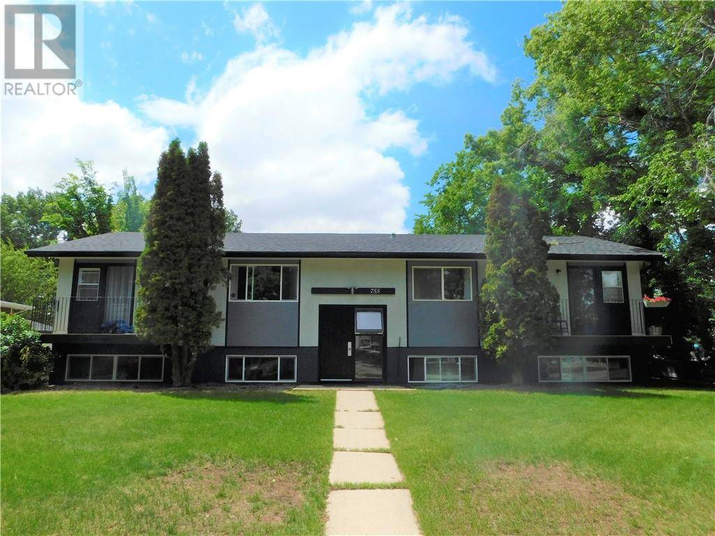 Townhouse for sale at 755 1 St E Brooks Alberta - MLS: sc0154752