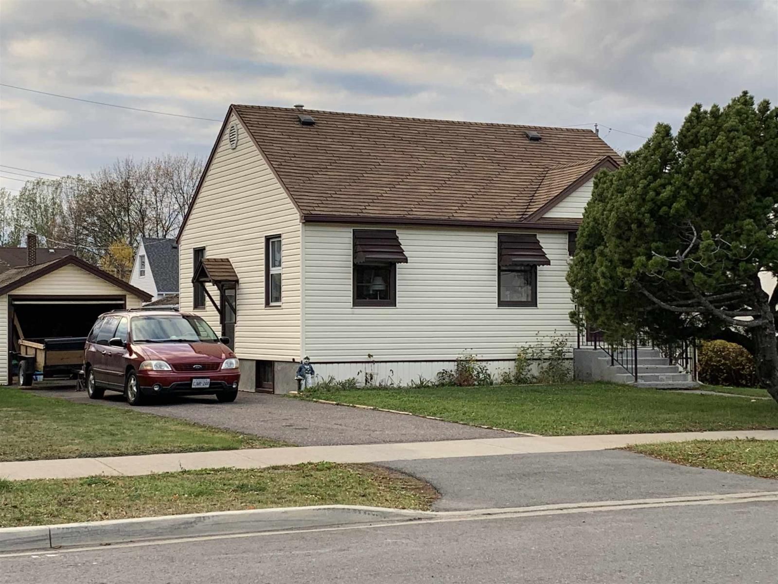 Removed: 755 Kelly Street, Thunder Bay, ON - Removed on 2020-11-05 23:30:22