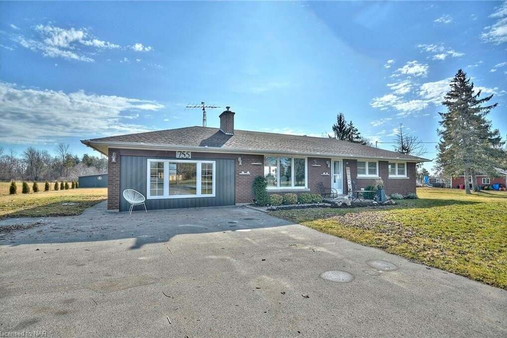 House for sale at 755 Pleasant Beach Rd Port Colborne Ontario - MLS: 30825068