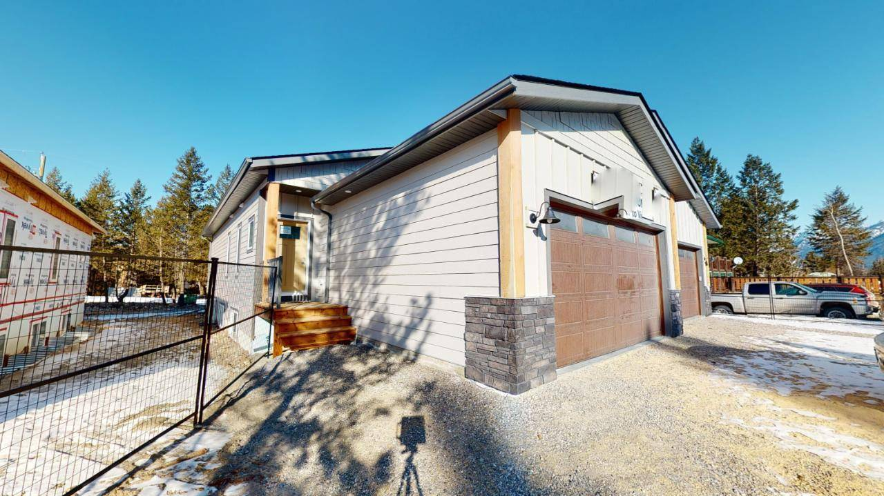 Townhouse for sale at 7557 Revelstoke Avenue  Radium Hot Springs British Columbia - MLS: 2450971