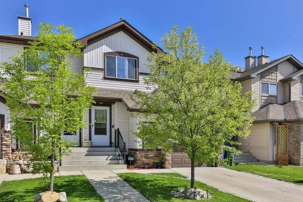 Townhouse for sale at 758 Luxstone Ga SW Luxstone, Airdrie Alberta - MLS: C4300153