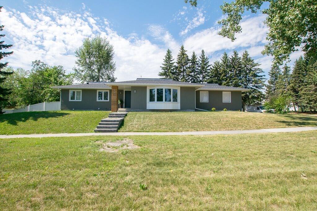 Sold: 759 Acadia Drive Southeast, Calgary, AB