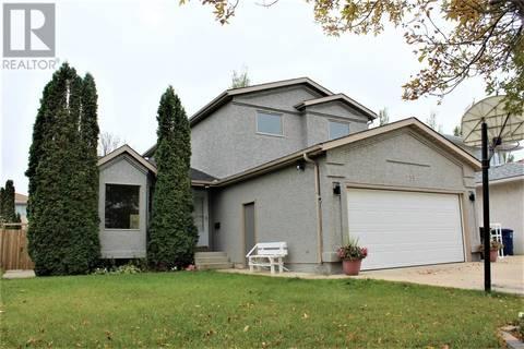 House for sale at 759 Cowley Rd Saskatoon Saskatchewan - MLS: SK796758