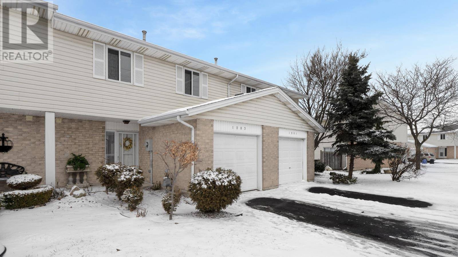 Townhouse for sale at 1283 Southpark Ln Unit 76 Tecumseh Ontario - MLS: 20001920