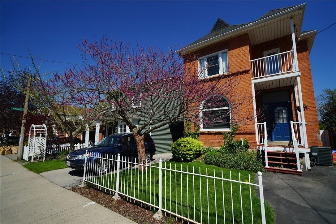 House for rent at 76 Inchbury St Hamilton Ontario - MLS: H4079326