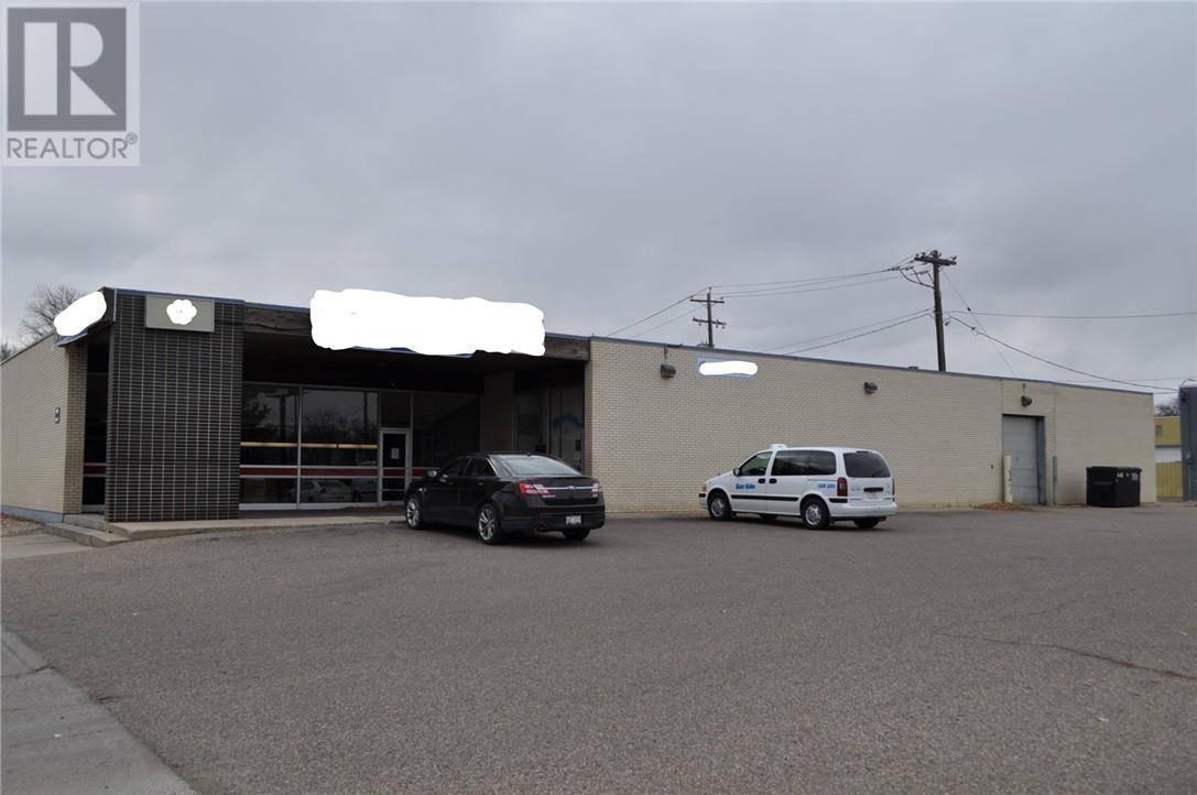 Home for sale at 760 3 St Se Medicine Hat Alberta - MLS: mh0182852