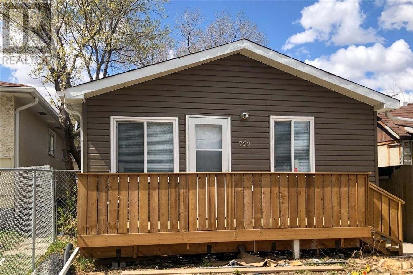 House for sale at 760 Rae St Regina Saskatchewan - MLS: SK830353