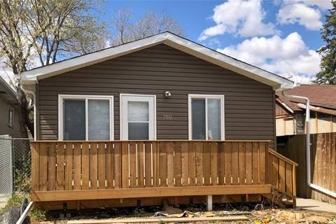 House for sale at 760 Rae St Regina Saskatchewan - MLS: SK795454