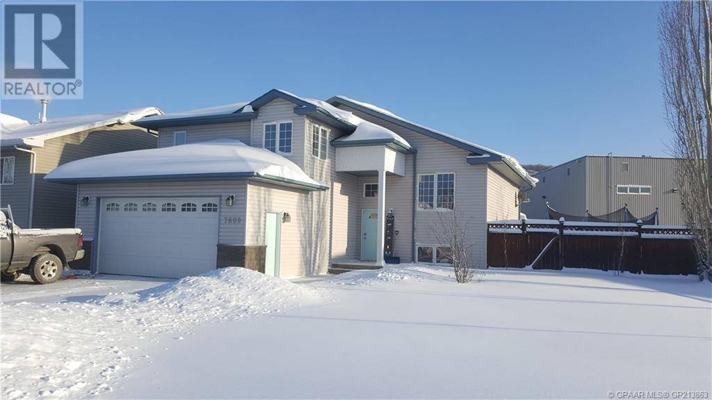 House for sale at 7605 98 St Peace River Alberta - MLS: GP213863