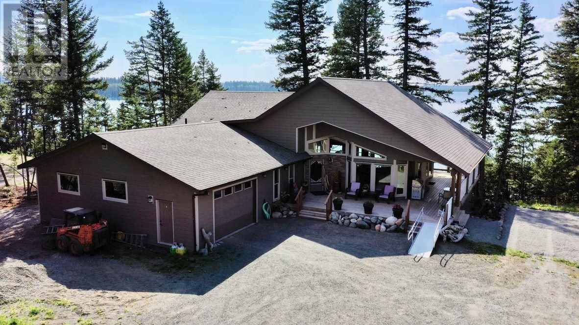 House for sale at 7606 Lake Rd E Bridge Lake British Columbia - MLS: R2429203